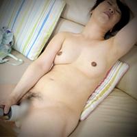 Hitomi Yu...