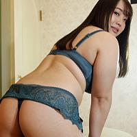 Yumiko Eb...